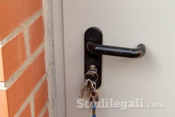 Arresti domiciliari ristretti: no a rapporti con la fidanzata